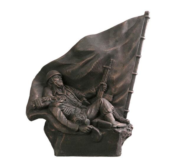 Honoring Sacrifice in War Statue Sculpture