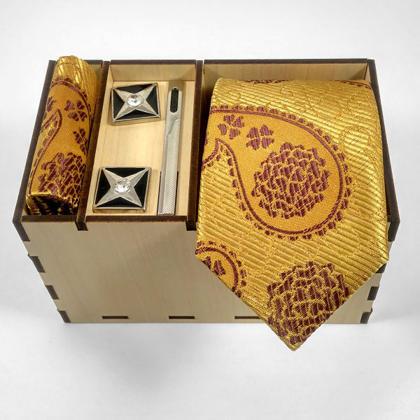 Set of Tie & Handkerchiefs & Cufflinks Model Golden